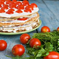 Cuketový koláč s rajčaty