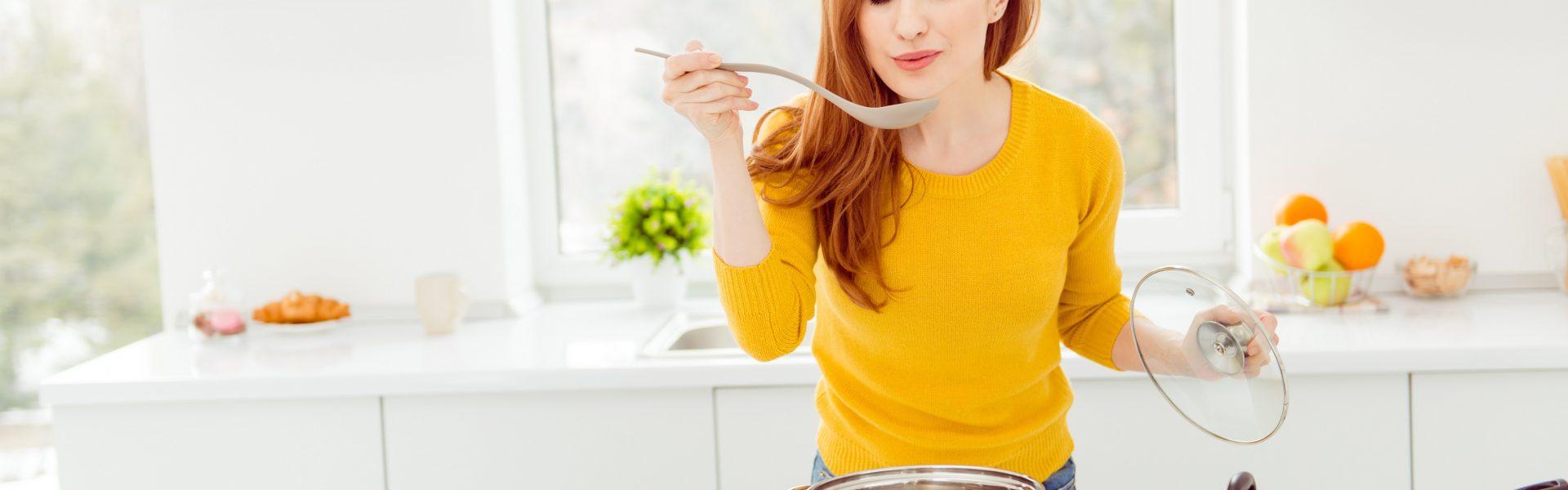 Dochází vám v zimě energie? Přichystejte si misku vydatné zeleninové polévky!