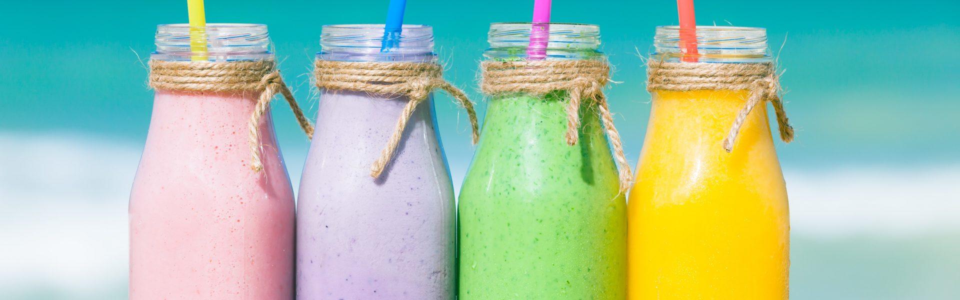 Léto plné chutí! Připravte si zdravé smoothies bohaté na vitamíny