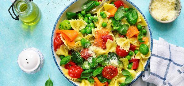 Pasta primavera! Těstoviny s vydatnou dávkou čerstvé zeleniny